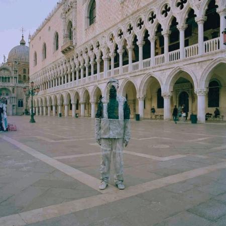 Liu_Bolin-Piazza-San-Marco