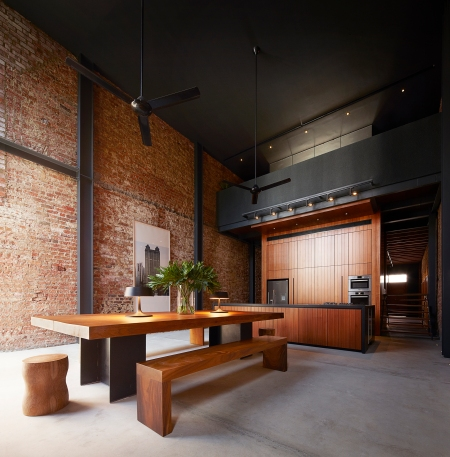 50f861e1b3fc4b316d000250_lucky-shophouse-chang-architects_kitchen-dining-shooting_gallery_asia